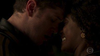 Bruno procura Raquel - Mas ela fica triste ao saber que o amado pede mais tempo para casar