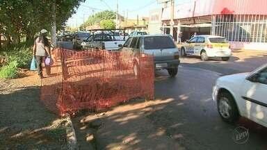 Obra na Via Norte deixa trânsito lento em Ribeirão Preto, SP - Ponte na Rua Américo Batista está bloqueada desde quarta-feira (15). Veja rotas alternativas.