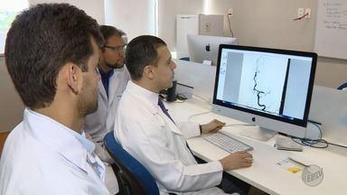 Unicamp usa técnica capaz de reduzir sequelas causadas pelo AVC - O tratamento é conhecido como cateterismo no cérebro. Primeiro paciente submetido ao procedimento pelo SUS terá alta em breve.