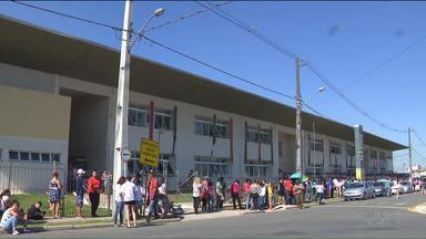 Moradores do Tatuquara recebem o Mutirão da Cidadania - Vários serviços estão sendo oferecidos de graça.