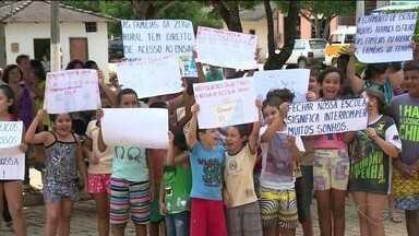 Justiça determina que ES mantenha escolas de ensino fundamental em Alegre, no Sul do ES - Municipalização do ensino causa polêmicas na região.