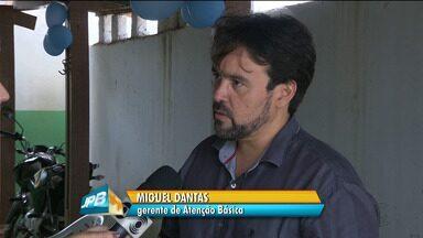 Homens recebem ações do 'Novembro Azul' em Campina Grande - Pacientes foram orientados sobre doenças que mais atingem homens