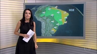 Confira a previsão do tempo para o fim de semana em todo o Brasil - Santa Catarina, Paraná, Mato Grosso do Sul e São Paulo têm alerta de temporais nesta sexta-feira (17). A chuva vem acompanhada de raios, ventania e granizo.