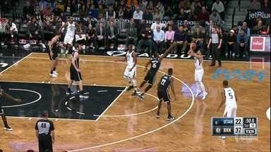 Raulzinho faz 22 pontos, mas não impede derrota do Utah Jazz para o Brooklyn Nets - Raulzinho faz 22 pontos, mas não impede derrota do Utah Jazz para o Brooklyn Nets