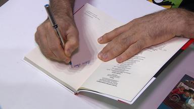 Ação 'Viva e Deixe Viver' lança livro na Feira do Livro de Porto Alegre - Este é o último final de semana da feira.