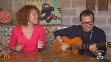 Cantora do AP, Deize Pinheiro mostra talento musical em outros estados e fora do país - Há 3 anos, Deize começou a se dedicar profissionalmente à carreira musical, mas canta desde os 6 anos de idade. Ela já participou de diversos shows em Macapá, no eixo Rio-São Paulo, e já se apresentou na Guiana Francesa e na França.