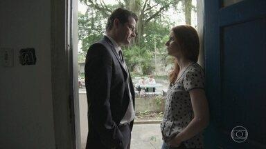 Malagueta conclui que o filho de Mônica é seu - Vitor promete arrumar uma grana para a ex fugir e pede que ela deixe o menino com ele