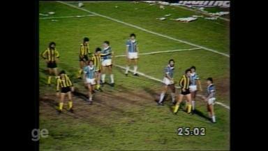 Grêmio vence o Peñarol e é campeão da Libertadores de 1983 - Assista ao vídeo.