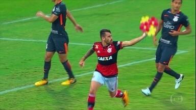 Corinthians perde para o Flamengo por 3 a 0, em jogo marcado por briga de Rhodolfo e Vizeu - Corinthians perde para o Flamengo por 3 a 0, em jogo marcado por briga de Rhodolfo e Vizeu