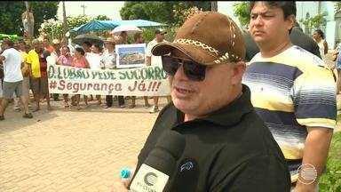 Moradores de Demerval Lobão realizam manifestação e protestam contra a falta de segurança - Moradores de Demerval Lobão realizam manifestação e protestam contra a falta de segurança