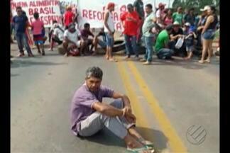 Integrantes do MST interditam a rodovia BR-010 no Pará - Trecho fica em Ulianópolis.