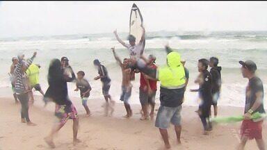 22º A Tribuna de Surfe Colegial define os campeões - Torneio foi disputado no último domingo (19), na Praia do Tombo, em Guarujá.