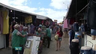 Comerciantes esperam aumento nas vendas da feira da sulanca em Caruaru - Expectativa recai principalmente sobre a venda de roupas