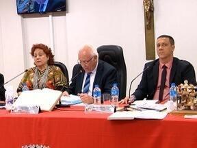 Manifestação de professores e pedido de cassação de vereador marcam sessão da Câmara - Reunião foi realizada nesta segunda-feira (20), em Presidente Prudente.