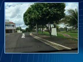 Polícia Civil investiga sequência de furtos em condomínio de Presidente Prudente - Crime ocorreu em sete casas.