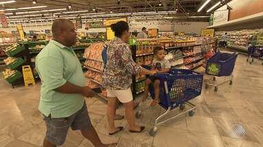 Supermercados já apostam na venda dos produtos de Natal - O queridinho da vez é o panetone, que promete ter aumento nas vendas.