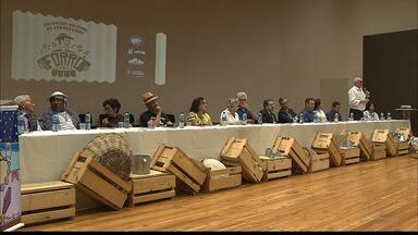 Encontro Nacional de Forrozeiros é aberto em João Pessoa - Abertura teve audiência pública para propor que o forró se transforme em patrimônio imaterial do Brasil.