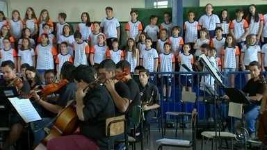 Corais se preparam para o Vozes de Natal em Rio Preto - Diversos corais do noroeste paulista se preparam para participar do Vozes de Natal, tradicional evento da TV TEM.