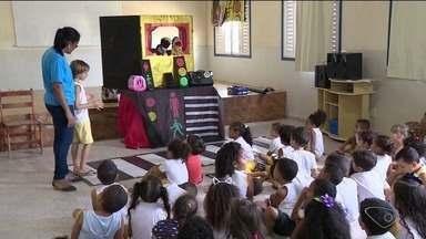 Campanha de educação no trânsito é realizada em São Mateus, ES - Objetivo é ensinar as leis de trânsito a crianças da rede municipal de ensino.