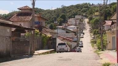 Cinco pessoas são mortas a tiros em Florianópolis; secretário fala sobre onda de violência - Cinco pessoas são mortas a tiros em Florianópolis; secretário fala sobre onda de violência