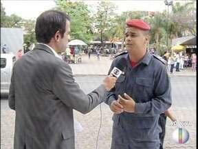 Corpo de Bombeiros dá dicas de segurança no período de chuva - Em Governador Valadares, chuva alagou várias ruas.