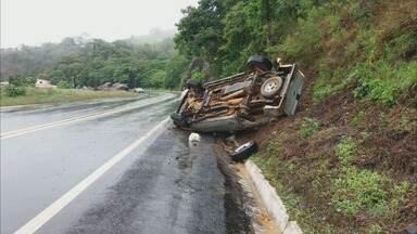 Chuva causa pelo menos três acidentes na região nesta quarta-feira (22) - Chuva causa pelo menos três acidentes na região nesta quarta-feira (22)