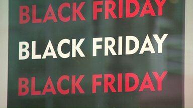 Black friday: cuidado com propagandas enganosas - Procon alerta sobre golpes comuns neste período de promoções no comércio.