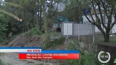 Enchentes preocupam em São José - Rios estão passando por limpeza.