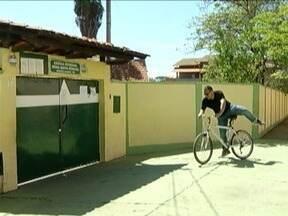 Bicicletas ganham mais adeptos após aumentos consecutivos no preço dos combustíveis - Além de economizar, uso da bicicleta ajuda o meio ambiente.