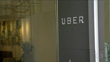 Em Nova York, Uber é investigada por esconder roubo de dados de usuários - Em novembro de 2016, piratas da internet roubaram dados de 57 milhões. Fundador da Uber pagou resgate, não contou para ninguém e foi afastado. O chefe de segurança, que teria sido o responsável pelo pagamento aos hackers, foi demitido.