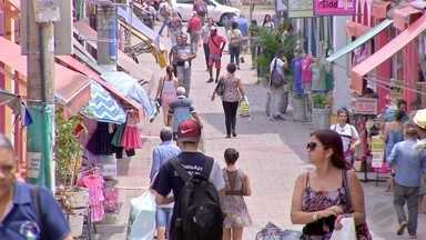 Associação Comercial faz campanha para que os consumidores renegociem suas dívidas - Associação Comercial de Cuiabá faz campanha para que os consumidores renegociem suas dívidas.