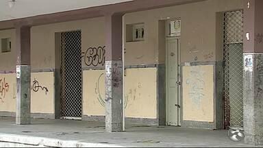 Casos de roubos a instituições públicas em Caruaru são recorrentes - Biblioteca pública foi arrombada na última semana