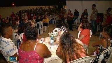 Ação da Igreja Católica reúne diversas pessoas para promover apoio a desabrigados - Ação da Igreja Católica reúne diversas pessoas para promover apoio a desabrigados