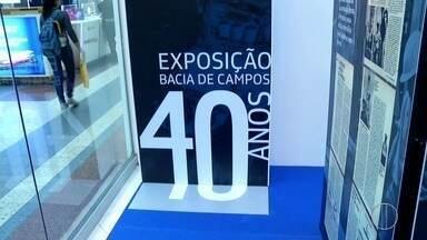 Exposição em Macaé, fala dos 40 anos de trajetória da Petrobras na Bacia de Campos, no RJ - A mostra, que é aberta e gratuita a todo público, segue até sábado (25) de 10h às 22h, no shopping do centro de Macaé, no Noroeste Fluminense.