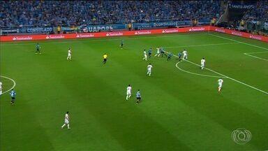 Grêmio vence Lanús com gol de Cícero e abre final da Libertadores com vantagem - Meio-campista entra no segundo tempo e marca o gol do 1 a 0 aos 37 do segundo tempo; Tricolor precisa de um empate para ser tri da América.