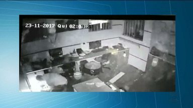 Mais uma empresa de ônibus atacada por bandidos em Campina Grande - Os bandidos explodiram o cofre da empresa, mas eles não conseguiram levar nada