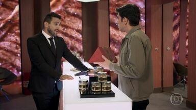 André Marques apresenta sua boutique de carnes - Silvero Pereira faz compra inusitada na loja
