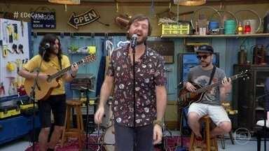 André Frateschi canta 'Sonífera Ilha' - Ator e cantor agita a manhã de sábado nos Estúdios Globo