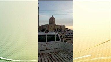 Sobe para 305 o número de mortos em ataque à mesquita no Egito - O governo do país respondeu com ataques aéreos pesados à alvos terroristas.