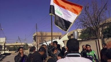 """""""Margens de uma guerra: heróis e vítimas em Mossul"""""""