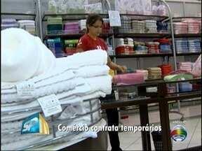 Comércio inicia temporada de contratação de trabalhadores temporários - Lojistas abrem vagas de emprego em decorrências das vendas do Natal.