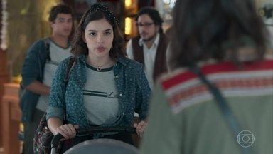 Lica insiste em falar com Keyla - Tato e Clara incentivam Keyla a ouvir o que Lica tem a dizer