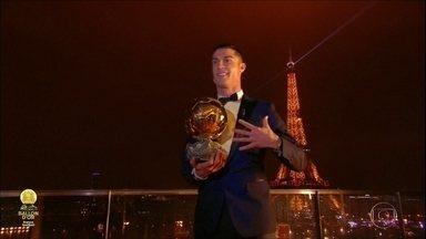 Cristiano Ronaldo ganha a Bola de Ouro pela quinta vez na carreira - Cristiano Ronaldo ganha a Bola de Ouro pela quinta vez na carreira