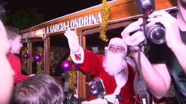 Londrina dá início à programação de Natal - A chegada do Papai Noel foi nesta quinta-feira (07) no Museu de Arte.