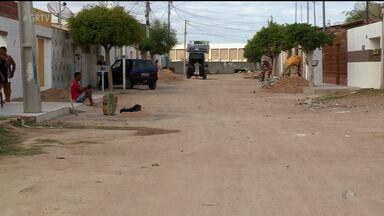 Compesa resolve problemas de esgoto no bairro João de Deus, em Petrolina - Os moradores estavam praticamente ilhados.