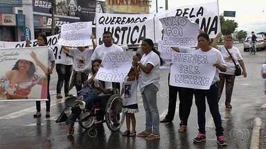 Parentes e amigos de mãe e filha atropeladas por motorista bêbado fazer ato em Goiânia - Grupo pede que o julgamento do autor do crime seja julgado o quanto antes.