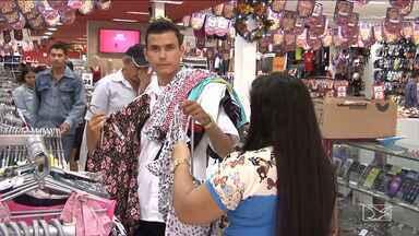 Comerciantes de Santa Inês realizam promoções para aumentar vendas no fim do ano - Comércios do interior maranhense querem aumentar as vendas no fim de 2017