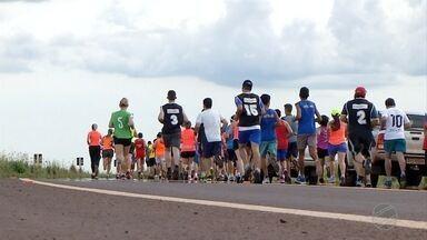 Atletas de MS participam de corrida rústica para ajudar a Apae - Atletas de MS participam de corrida rústica para ajudar a Apae