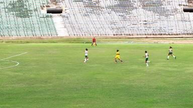 Zagueira falha veio e deixa caminho livre para quinto gol do Tiradentes-PI - Zagueira falha veio e deixa caminho livre para quinto gol do Tiradentes-PI