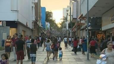 Comércio de Campinas começa a funcionar em horário estendido nesta segunda-feira - O comércio de Piracicaba também passa a funcionar até às 22h, de segunda a sexta.